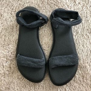 Sanuk Sandals *new*